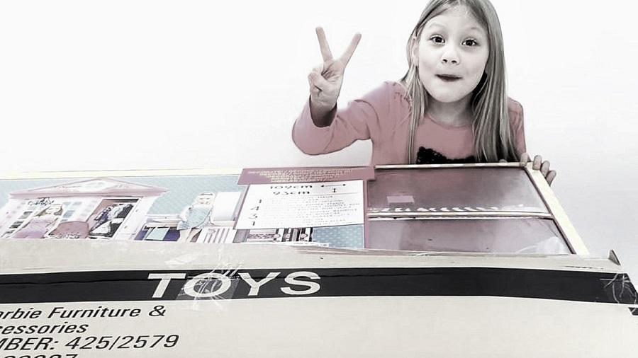 Oyuncak açma videoları çocukları nasıl etkiliyor?