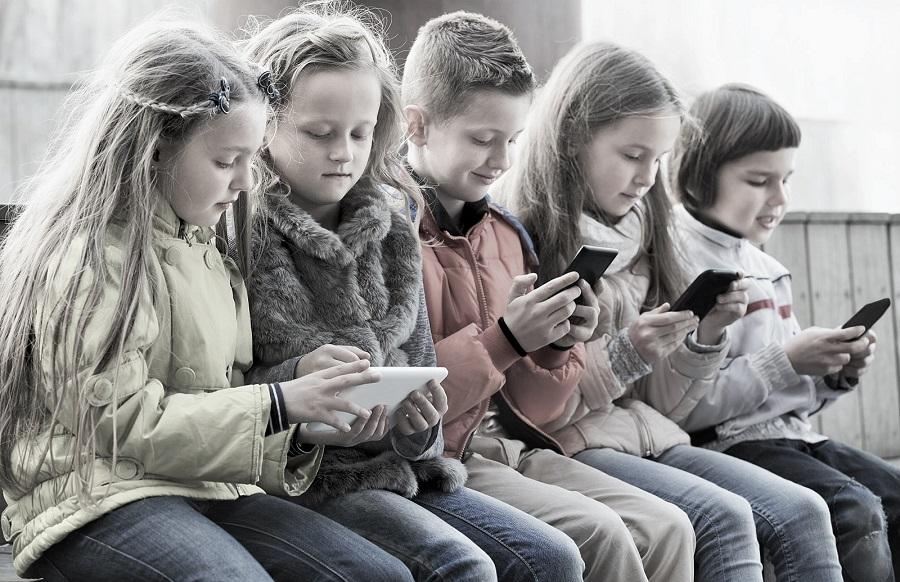 Sosyal medya çocuklarda depresyona yol açıyor