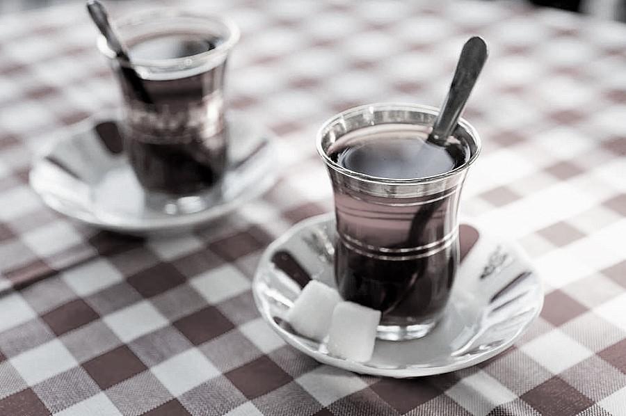Türkiye'de çay üretimi Economist dergisinde: 'Devlet teşvikleriyle organik üretime geçiş başarı getirir mi?'