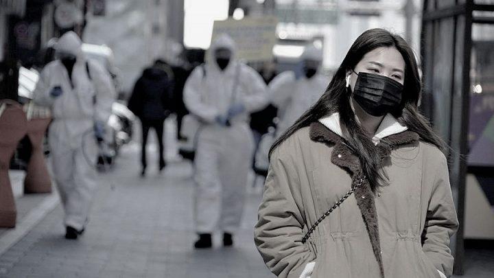 Güney Kore'de koronavirüs vaka sayısı mart ayı düzeyine geri döndü, ülke çapında kısmi kapanmaya gidildi
